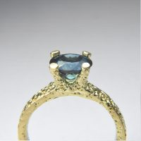 sapphire four claw ring 18ct gold