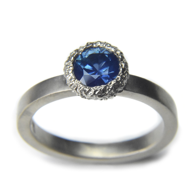 sapphire meteor engagement ring in 18ct white gold